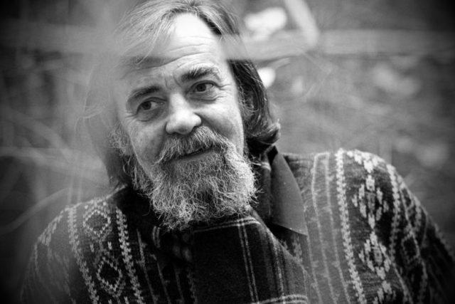 Ve věku 78 let zemřel básník Pavel Šrut