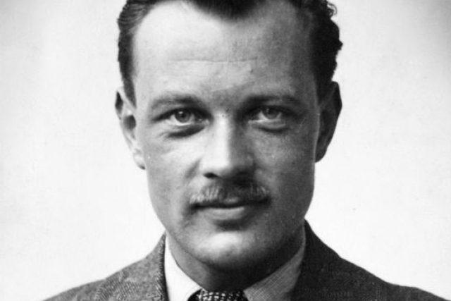Jiří Potůček, (krycím jménem Tolar) (* 12. července 1919 Bruneck, dnes Itálie – 2. července 1942 les mezi vesnicemi Trnová a Rosice nad Labem) byl příslušník československé zahraniční armády v Anglii a radista výsadku Silver A