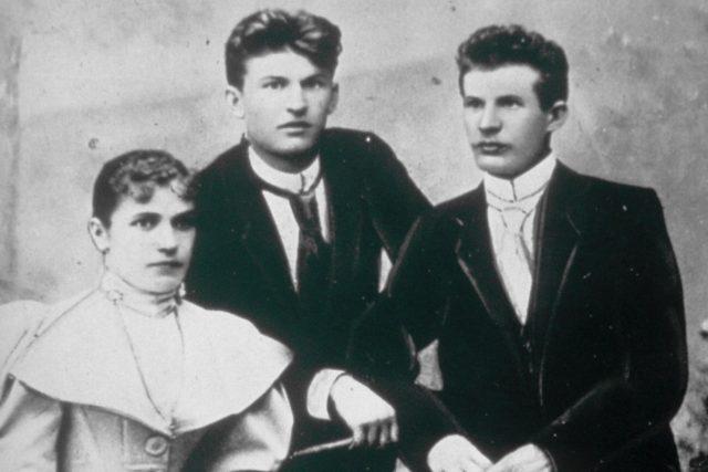 Tomáš Baťa,  Antonín Baťa a jejich sestra Anna Baťová | foto: Public domain,  Baťa shoe company,  Wikimedia Commons