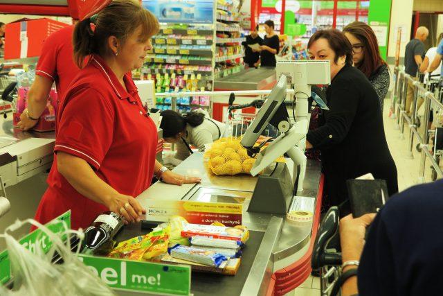 Senátní hospodářský výbor vypracoval novelu, která žádá zrušení zákona o zavedení sedmi státních dnů, během kterých jsou v Česku zavřené velkoobchody.