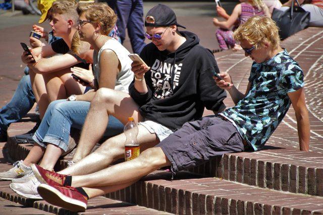 Mládež a chytré telefony