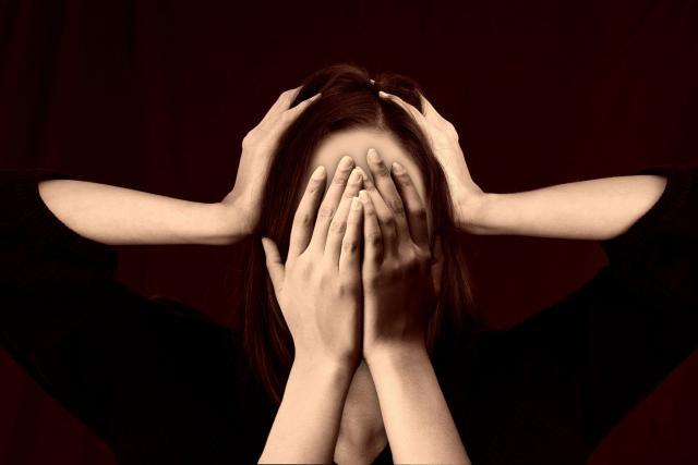 """""""Nejčastěji chronicky bolí záda a hlava, """" říká Jaroslava Raudenská   foto:  pixabay.com"""