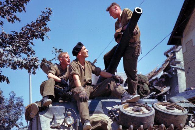 Američtí vojáci na tanku
