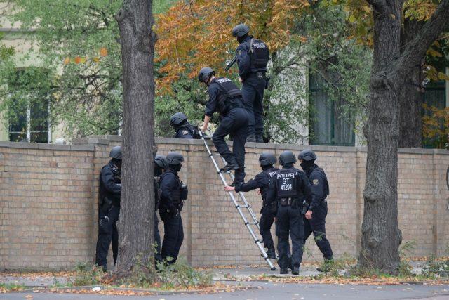 Střelba v německém městě Halle | foto:  Sebastian Willnow,  ČTK/AP