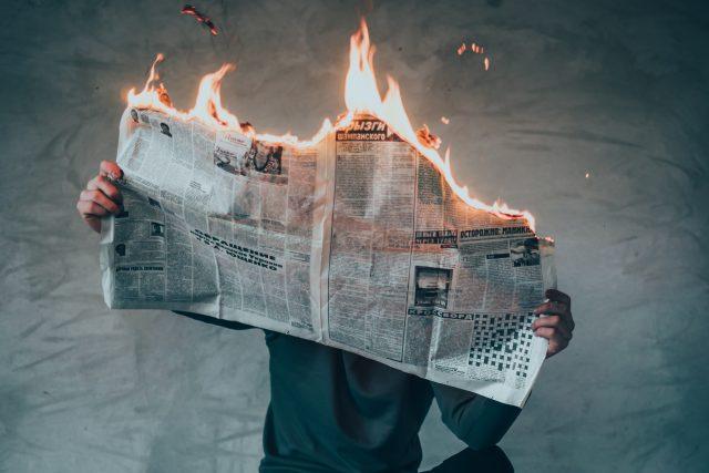 Hořící noviny
