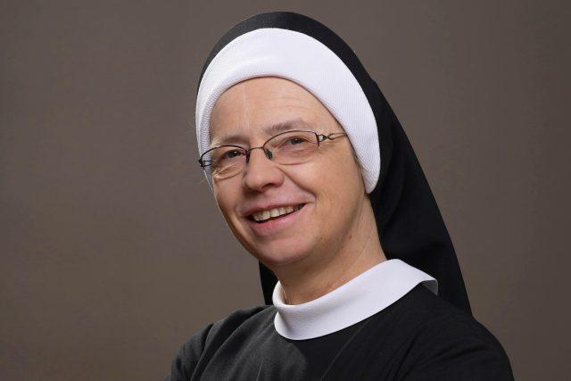 sestra Angelika - Ivana Pintířová