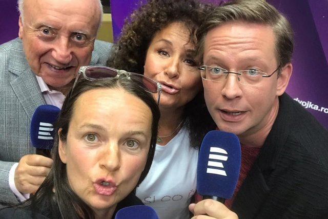 Jitka Zelenková, Lenka Hatašová, Felix Slováček a moderátor Toboganu Aleš Cibulka