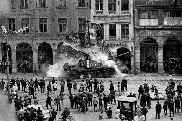 Srpen 1968 byl ve znamení šoku pro většinu obyvatel Československa | foto: Václav Toužimský