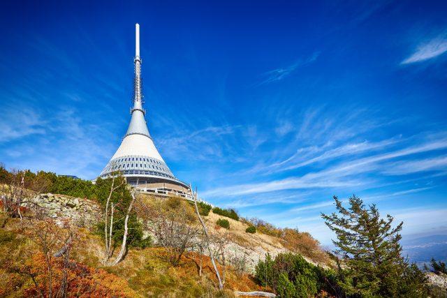 Horský hotel a vysílač Ještěd | foto: Fotobanka Profimedia
