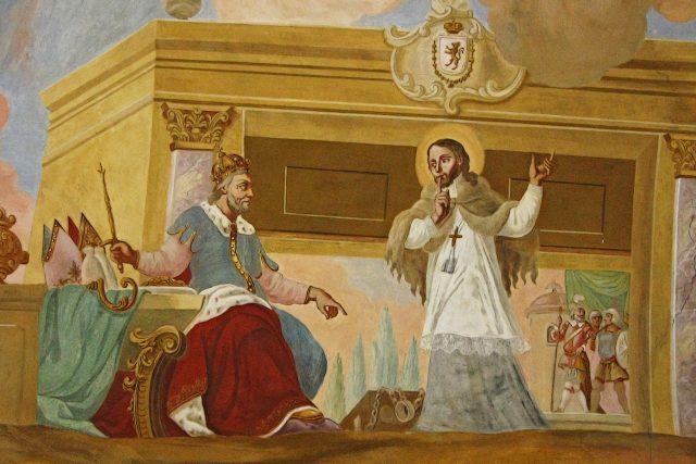 Jan Nepomucký před králem Václavem IV. Stropní freska v kostele Maria Stern | foto:  Schönitzer,  Wikimedia Commons,  CC BY-SA 4.0