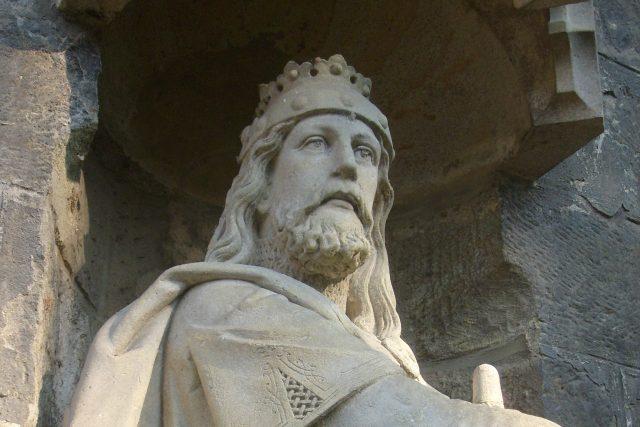 Socha Břetislava I. na Žižkově náměstí, Chrudim