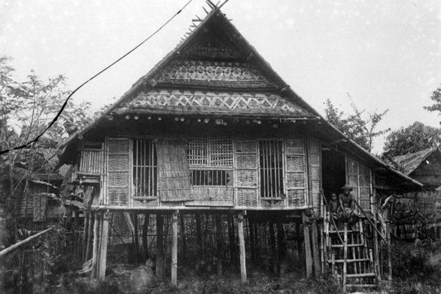 Sulawesi – tradiční zemědělské obydlí | foto: Wikimedia Commons,  CC0 1.0