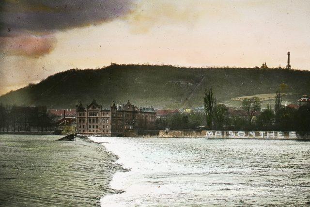 Sovovy mlýny kolem roku 1900