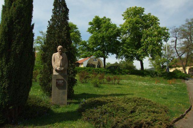 Pomník F. X. Svobody v Mníšku pod Brdy | foto: Wikimedia Commons,  CC0 1.0