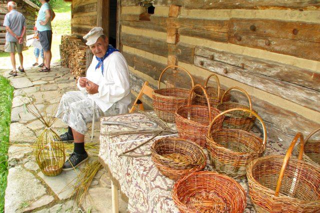 Lidová řemesla - košíkář