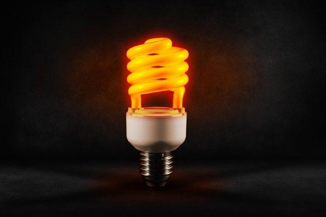 Úsporné žárovky dokážou uspořit 50 až 90 % energie