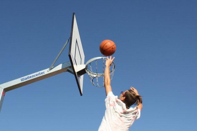 Mladí sportovci jsou teď v pasti | foto: Fotobanka Pixabay  (5008272)