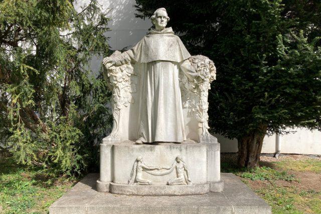 Pomník J. G. Mendela   foto: Jan Bakala