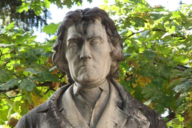 Busta Josefa Dobrovského od Tomáše Seidana   foto: Wikimedia Commons,  CC0 1.0