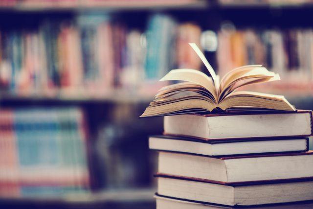 Marian Jelínek doporučuje dvě knížky k přečtení | foto: Shutterstock