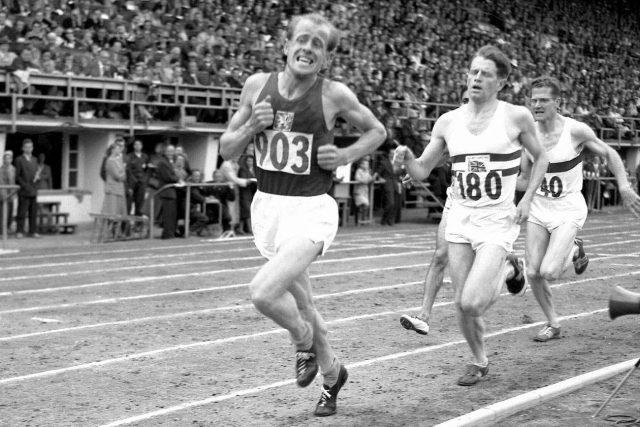 Emil Zátopek na olympiádě v Helsinkách v roce 1952