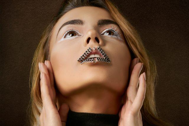 Žena s diamantovými rty | foto: Fotobanka Unsplash