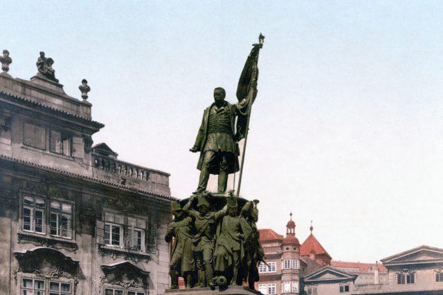 Radeckého pomník na Radeckého náměstí  (dnešní Malostranské náměstí) v Praze kolem roku 1900   foto: Library of Congress,  CC0 1.0