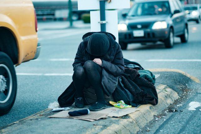 Bez domova - bezdomovectví - bezdomovec