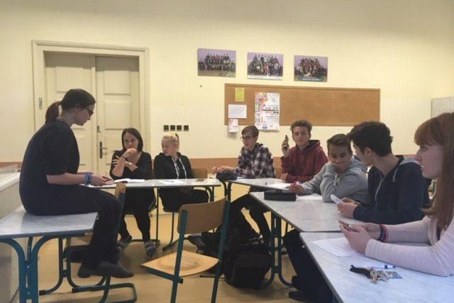 Náchodští studenti se pustí do audiovizuálního mapování pamětnických zpovědí pro organizaci Post Bellum