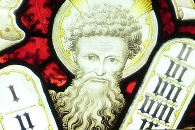 Mojžíš a desatero