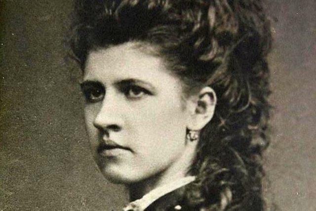 Zdeňka Havlíčková na snímku z roku 1871 | foto: eSbírky – kulturní dědictví on-line,  CC0 1.0