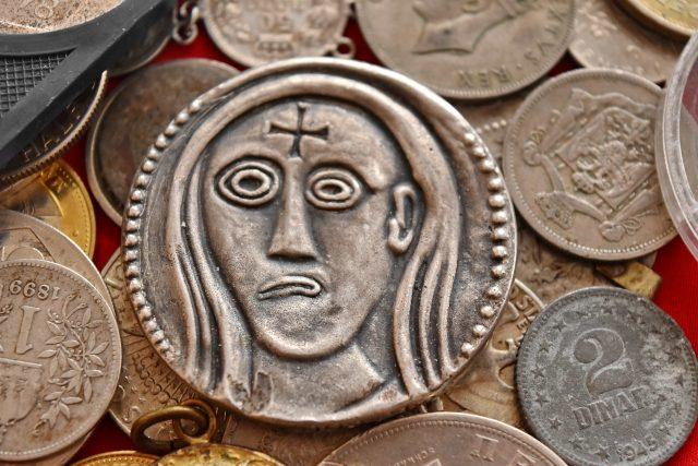 Historické peníze