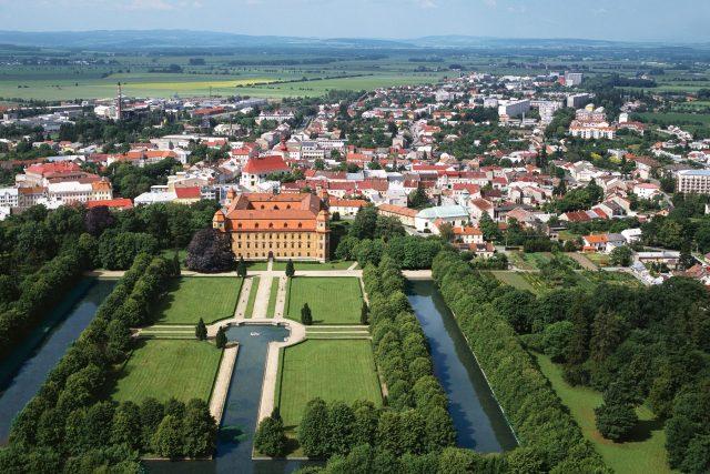 Město Holešov,  zahrada a zámek | foto: Profimedia