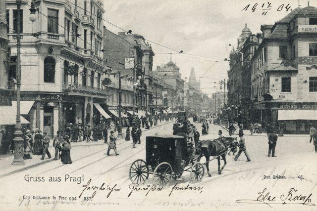Stará Praha, průhled ulicí Na Příkopě z Ovocné ulice přes Zlatý kříž