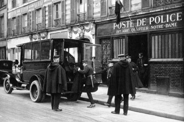 Francouzská policie, čtvrť Notre-Dame v Paříži (1928)