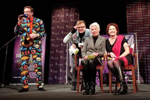 Tobogan Tour ze Žatce. Hosté Aleše Cibulky byli (zprava) Ilona Svobodová, Marcela Březinová a Petr Kotvald