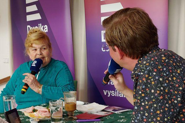Ivanka Devátá a moderátor Aleš Cibulka