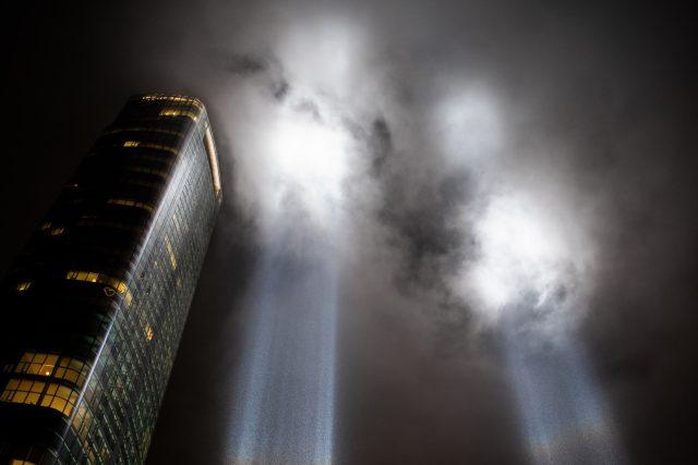New York. Světelná instalace jako památník událostí 11. září 2001 | foto: Fotobanka Unsplash