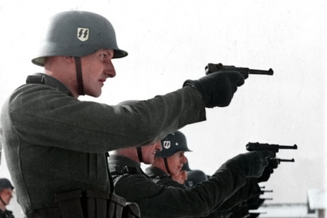 Vojáci SS během druhé světové války