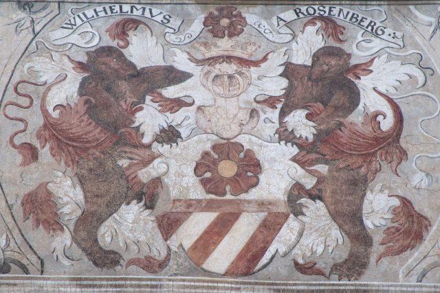 Znak Viléma z Rožmberka na Staré radnici v Prachaticích