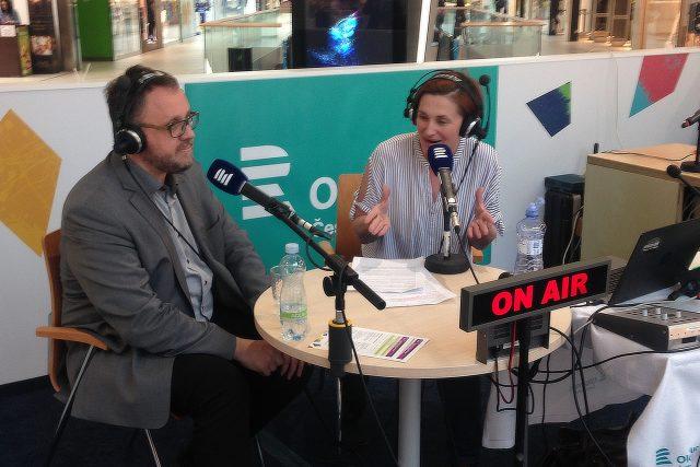 Michal Sýkora a Dita Vojnarová ve festivalovém studiu v OC Šantovka