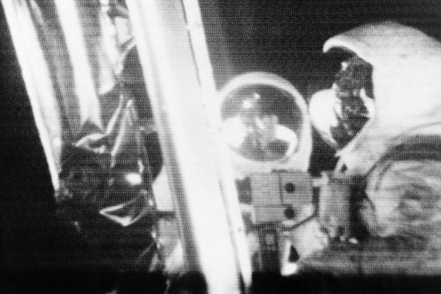 Televizní přenos astronautů na Měsíci z lunárního modulu