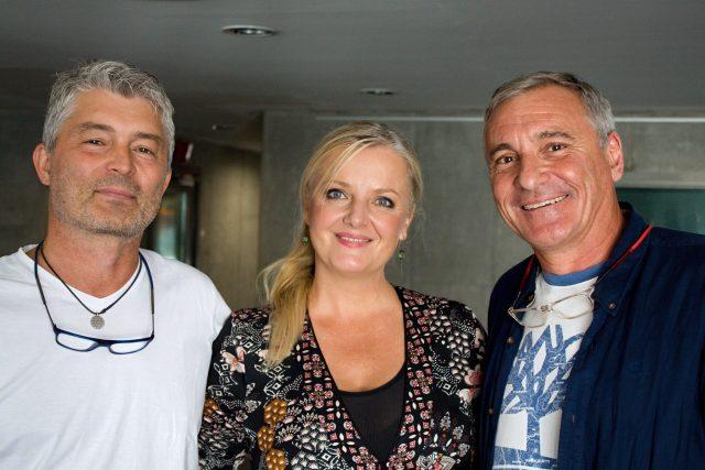 Gabriela Filippi, fotbalový komentátor Pavel Karoch a moderátor Jan Čenský