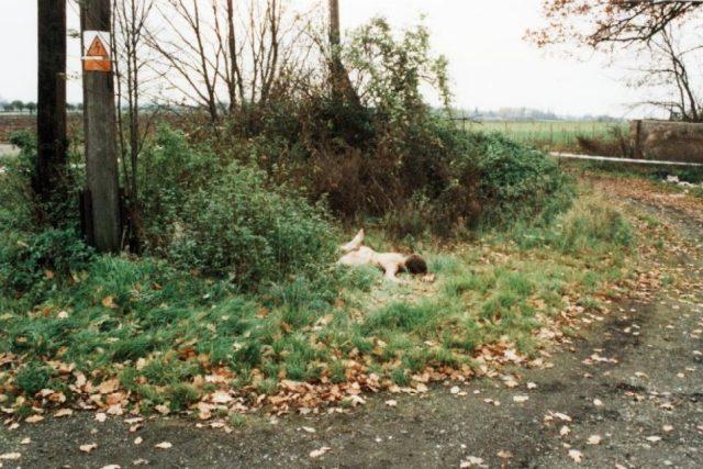 Tělo zavražděného objevil u Bedihošti řidič dodávky 7. listopadu 2001 ráno, když se zastavil na malou pauzu