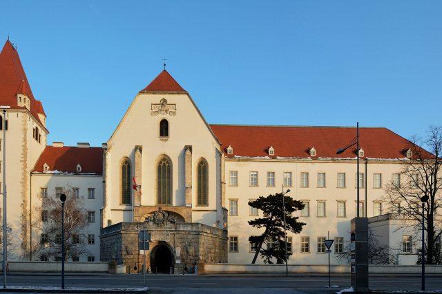 Tereziánská vojenská akademie, místo působení Poláka