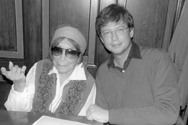 Hana Hegerová a Aleš Cibulka při natáčení Toboganu v roce  2010   foto: Yvona Žertová,  Český rozhlas