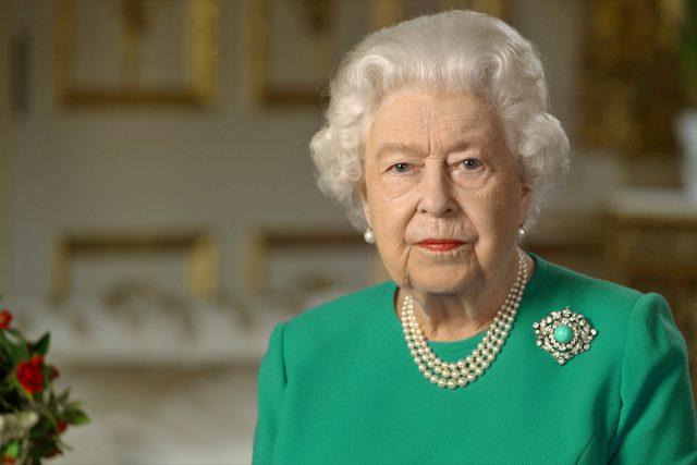Britská královna Alžběta II. promluvila k veřejnosti v mimořádném projevu