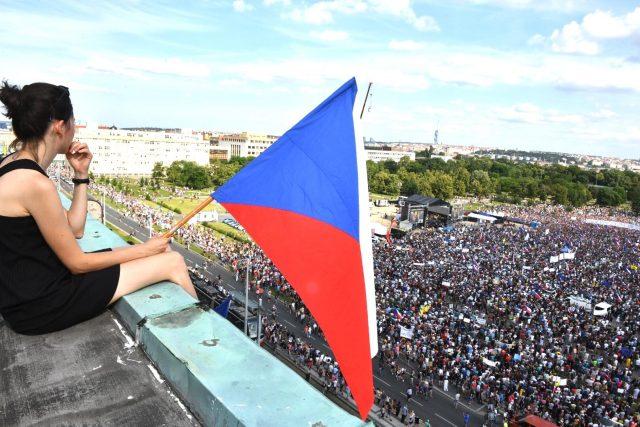 Demonstrace na Letenské pláni 23, června 2019