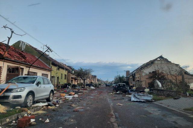 Pohled na Moravskou Novou Ves na Břeclavsku po bouři v pátek ráno | foto: Alena Hesová,  Český rozhlas