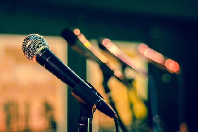 mikrofon, ilustrační foto